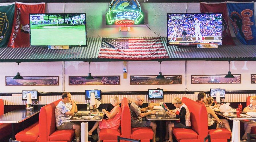 Bogey's Sports Pub in Venice, FL
